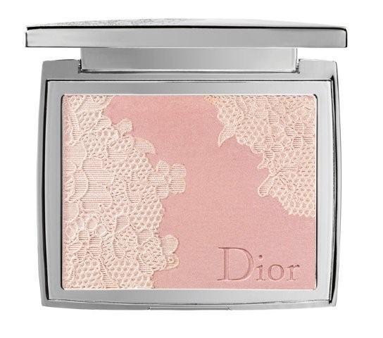 Diors blondepudder med glimmereffekt er døbt Poudrier Dentelle Pink Lace (fås fra uge 3)
