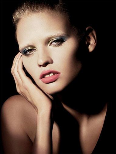 lara_stone_giorgio_armani_cosmetics_0410b