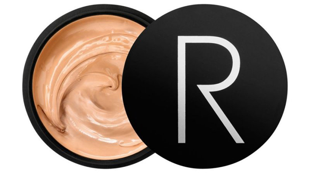 makeup der dækker rødme